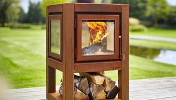 Quaruba Outdoor Wood Stove