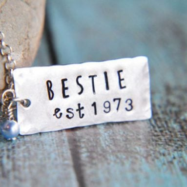 Friendship Necklaces – 30 Unique Necklaces Best Friends Will Love!
