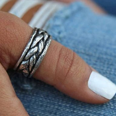 37 Greatest Thumb Rings for Men and Women You Can Buy